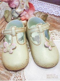 Ceramic Cream Baby Shoes