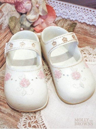 Ceramic White Baby Shoes