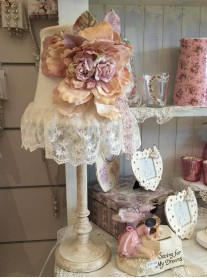 Shabby Chic Lace Flower Table Lamp