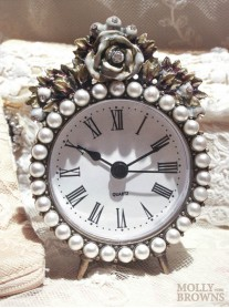 Decorative Pearl and Rose Clock