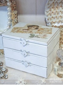 Vintage Style Jewellery Chest