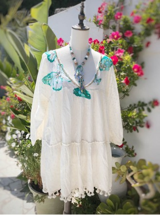 Butterfly Embellished Tunic (Ivory)