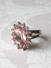 Large Daisy Light Amethyst Crystal Ring