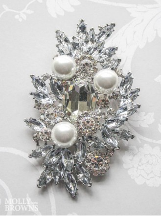 Large Pearl & Diamante Broach