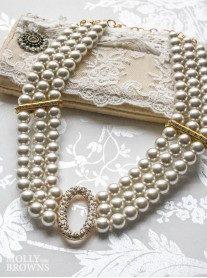 Oval 3 String Pearl Necklace