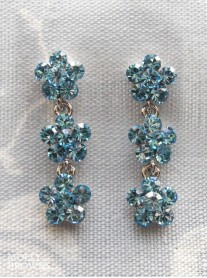 Small Daisy Aqua Crystal 3 Drop Earrings