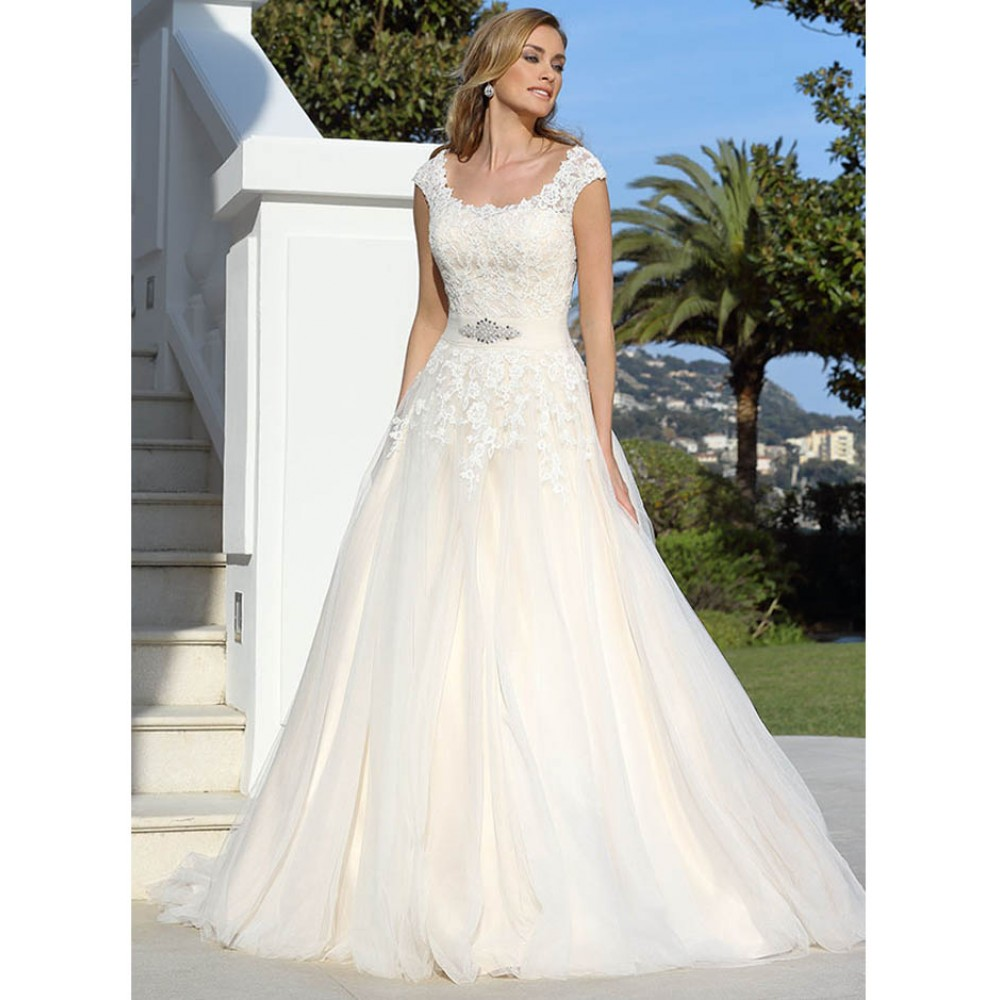 417048 wedding dresses ladybird wedding dress ivory for Ivory champagne wedding dress