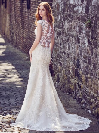 Everly 8MC537 - Ivory/Soft Pearl (Maggie Sottero)