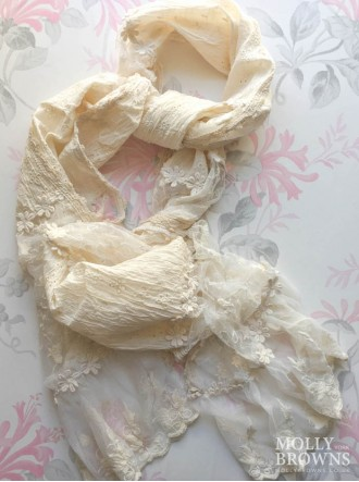 Lacey Flower Scarf - Cream