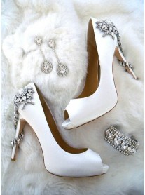 Savannah - Ivory Crystal Shoes