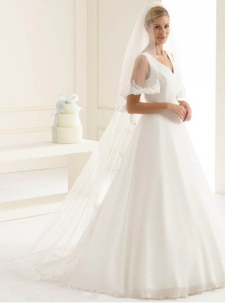 Wedding Veil Y - Chapel Length & Lace (Ivory)