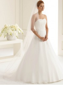 Wedding Veil Z - Chapel Length (Ivory)