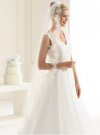 Wedding Veil D - Chapel Length & Lace (Ivory)