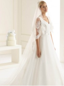 Wedding Veil H - Chapel Length & Lace (Ivory)