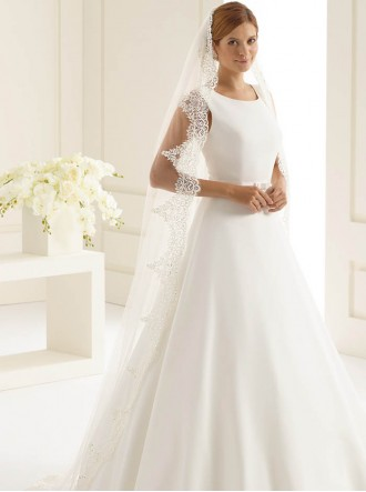 Wedding Veil C - Chapel Length & Lace (Ivory)