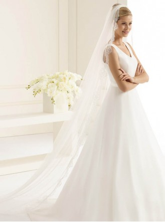 Wedding Veil E - Chapel Length & Lace (Ivory)