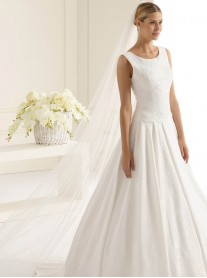 Wedding Veil F - Chapel Length (Ivory)